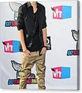 Justin Bieber At Arrivals For 2011 Vh1 Canvas Print