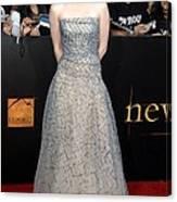 Kristen Stewart Wearing An Oscar De La Canvas Print