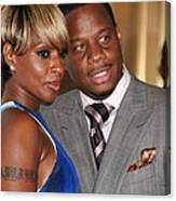 Mary J. Blige, Kendu Isaacs At Arrivals Canvas Print