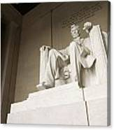 Monumental Statue Of Abraham Lincoln Canvas Print