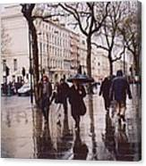 Rainy Sunday On Cromwell Road In London England Canvas Print
