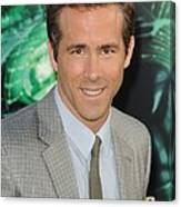 Ryan Reynolds At Arrivals For Green Canvas Print