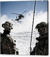 U.s. Army Soldiers Watch The Arrival Canvas Print