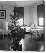 Christmas Tree In Hospital Ward 1923 Black White Canvas Print