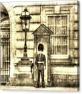 Buckingham Palace Queens Guard Vintage Canvas Print