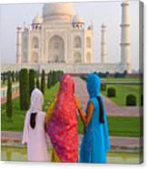 Hindu Women At The Taj Mahal Canvas Print