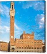 Public Palace With The Torre Del Mangia In Siena, Tuscany Canvas Print
