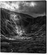 Shaft Of Light At Cwm Idwal Canvas Print