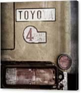 1978 Toyota Land Cruiser Fj40 Taillight Emblem -1191ac Canvas Print