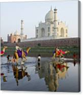 India's Taj Mahal Canvas Print