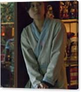 4625- Shop Girl Canvas Print