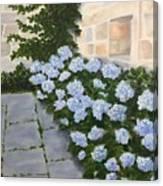 Courtyard At Condes De Albarie Canvas Print