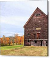 An Old Wooden Barn In Vermont. Canvas Print
