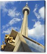 Audience Sculpture And The Cn Tower Canvas Print