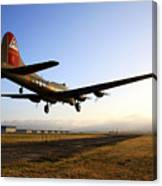 B17 Flying Fortress Lands At Livermore Klvk Canvas Print