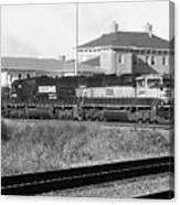 Bnsf Locomotive On Ns 192 Bw Canvas Print