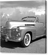 Bygone Era - 1941 Cadillac Convertible In Black And White Canvas Print