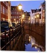 Canal Kromme Nieuwegracht In Utrecht In The Evening 15 Canvas Print