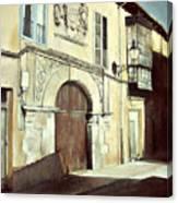 Casa palaciega en calle Serranos-leon Canvas Print