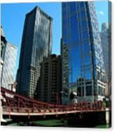 Chicago River - Chicago Boat Tour Canvas Print