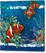 Clowning Around - Clownfish Canvas Print