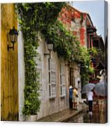 Colonial Buildings In Old Cartagena Colombia Canvas Print
