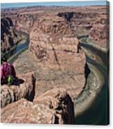 Couple Viewing Horseshoe Bend High Up Edge  Canvas Print