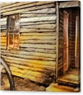 Do-00040 Old House Front Canvas Print