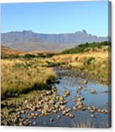 Drakensberg Amphitheatre Mountain Range In Kwazulu Natal, South Africa Canvas Print