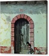 En Calle Ejercito Nacional Canvas Print