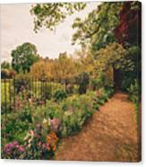 England - Country Garden And Flowers Canvas Print