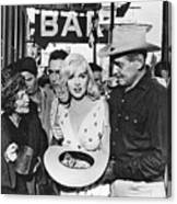 Estelle Winwood Marilyn Monroe Clark Gable Eli Wallach Montgomery Clift The Misfits Reno Nevada 1961 Canvas Print