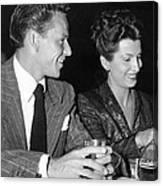 Frank Sinatra And Nancy Canvas Print