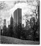 General Motors Building In Autumn, New York Canvas Print