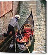 Gondola In Venice Canvas Print