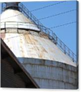 Grain Silo In Roswell Canvas Print