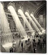 Grand Central Terminal, New York In The Thirties Canvas Print