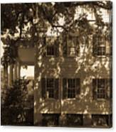 Mcleod Plantation Home In Black And White Canvas Print