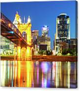 Kentucky View Of The Cincinnati Ohio Skyline - Panorama Canvas Print