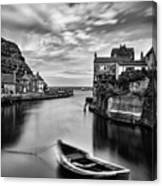 Leading Light At Staithes Canvas Print