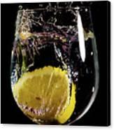 L'eau De Lemon Canvas Print