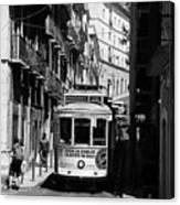 Lisbon Trolley 16b Canvas Print
