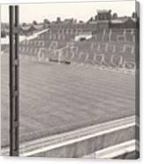 Luton Town - Kenilworth Road - Kenilworth Terrace North Goal 1 - Bw - August 1969 Canvas Print