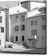 Maisons Sur Le Bord De La Mer A Saint - Tropez Canvas Print