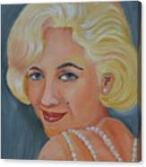 Marilyn Monroe With Pearls Canvas Print