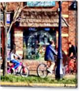 Metuchen Nj - Bicyclists On Main Street Canvas Print