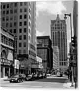 Milwaukee Street Scene B-w Canvas Print