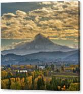 Mount Hood Over Farmland In Hood River In Fall Canvas Print