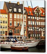 Nyhavn Area Of Copenhagen Canvas Print