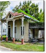 Old House Donaldsonville La-historic Canvas Print